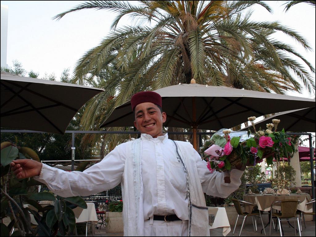 Accueil tunisien chaleureux. Tunisie pays du Jasmin