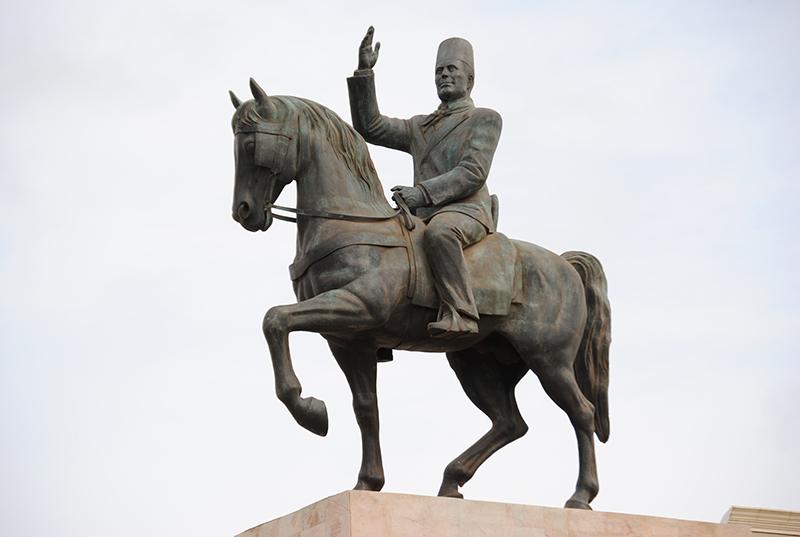 Statue Habib Bourguiba Sousse